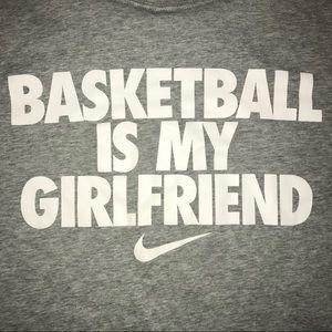 tee shirt nike basketball is my girlfriend